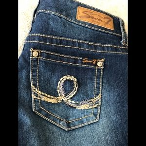 Seven7 jeans shorts size 10